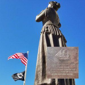 Norwegian Lady Statue